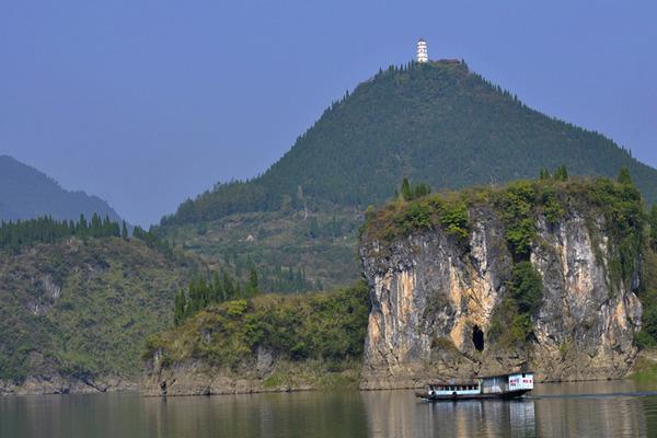 钟灵山宝塔