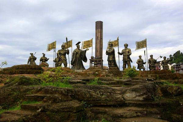 芙蓉镇铜柱演绎园
